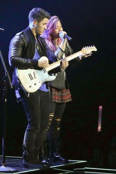 Nick Jonas na ''The Neon Lights Tour''