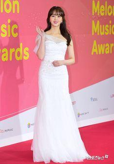 Kim So Hyun  #kimsoohyun #Redcarpet #fashion #melonmusicawards #2k17 #koreanidol #koreanfashion  #danielandsuzy Kim So Hyun Fashion, Korean Fashion, Child Actresses, Korean Actresses, Korean Drama Funny, The Last Princess, Kim Sohyun, Lee Bo Young, Yoo Ah In