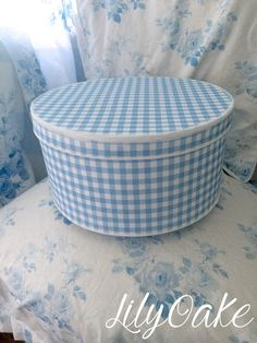 Gingham in blueberry hat box, covered in matte gift wrap, by LilyOake. Shades Of Blue, Red And Blue, Creation Deco, Calming Colors, Country Blue, Hat Boxes, White Cottage, Blue Gingham, White Decor