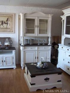 Coffeetable and China Cabinets in white with driftwood color