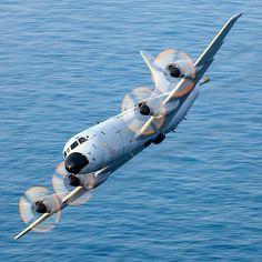 Navy Day, Go Navy, Us Bombers, Royal Australian Air Force, Aircraft Photos, Navy Ships, Aviation Art, Military Art, Military Aircraft