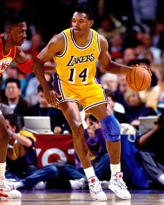 Sam Perkins, who played for the Los Angeles Lakers from 1990 to 1993.