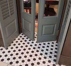 Voltooi je bedrijfsprofiel | Google Mijn Bedrijf Living Room Tiles Design, Living Room Flooring, Unique Flooring, Floor Patterns, Floor Design, Tile Floor, Mosaics, Interior, Bathroom
