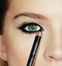 7 tricks you did not know about eyeliner – Makeup Tricks Best Makeup Tutorials, Best Makeup Products, Makeup Tips, Beauty Makeup, Hair Beauty, Makeup Ideas, Maskcara Makeup, Drugstore Makeup, Eyeliner