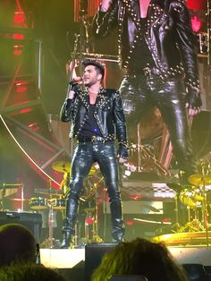 Wow - fabulous photo of Adam Lambert performing with Queen tonight RT @TheKimii_: 2015