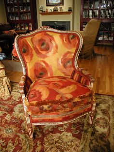 would be perfect in my house! Unique Living Room Furniture, Funky Furniture, Upholstered Furniture, Painted Furniture, Wingback Chair, Armchair, Floral Chair, Furniture Inspiration, Accent Chairs