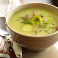 Ware winterkost Healthy Soup Recipes, Cooking Recipes, Healthy Food, Belgian Food, Cheesy Potato Soup, Zucchini, Soup Kitchen, Dutch Recipes, Homemade Soup