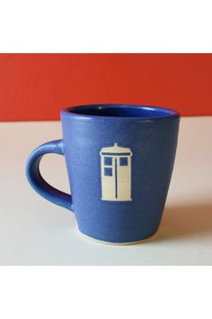 I love the simplicity of this TARDIS mug. It hints at doctor who, but doesn't scream it.