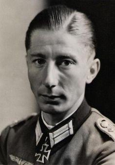 ✠ Conrad Heuss (27 May 1914 - 24 March 1945) RK 27.03.1942 Hauptmann Führer II./Inf.Rgt 109 35. Infanterie – Division