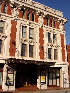 Landers Theater in Springfield, Missouri