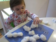 Snowflake craft for toddlers.  Little mess but lots of fun with textures.