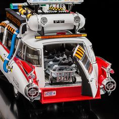 This Hot Wheels Elite Diecast Ecto-1A from #Ghostbusters2 (1989) is freakin' awesome!