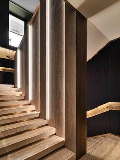 Brioni Flagship Store Milano, Milan, 2014 - Park Associati - Home Decoz Interior Staircase, Modern Staircase, Staircase Design, Stair Handrail, Staircase Railings, Staircases, A As Architecture, Halls, Escalier Design
