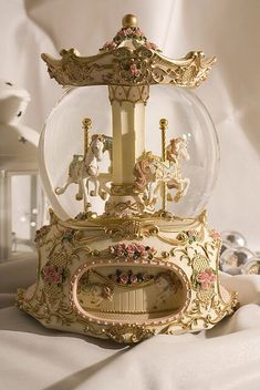 Both the carousel and the snow globe want it in a combination ! Both the carousel and the snow globe want it in a combination ! Gold Aesthetic, Classy Aesthetic, Aesthetic Rooms, Aesthetic Vintage, Belle Aesthetic, Water Globes, Princess Aesthetic, Carousel Horses, Wall Collage