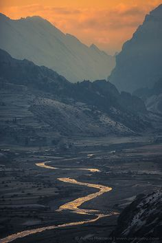 Marsyangdi river and Bragha village from the Manang (3,540 m) by Anton Jankovoy (www.jankovoy.com), via Flickr