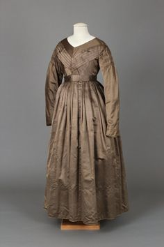 Dress, 1837-1842 | Chester County Historical Society