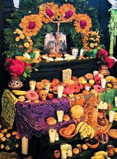 20 Ideas de Pinterest para decorar tu casa el Día de Muertos Day Of The Dead Diy, Day Of The Dead Party, Diy Halloween, Halloween Decorations, Mexican Halloween, Office Decorations, Decor Ideas, Party Deco, All Souls Day