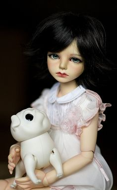 BJD  ◉◡◉ I want this doll:(