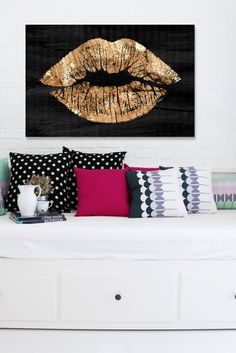 Solid Kiss Night Canvas Art