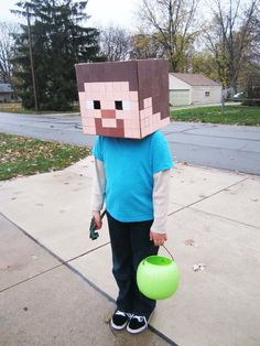 Minecraft Party ~ Decorations ~Steve for Halloween Family Halloween Costumes, Boy Costumes, Halloween Crafts, Holiday Crafts, Holiday Fun, Halloween Decorations, Halloween Party, Costume Ideas, Minecraft Mask
