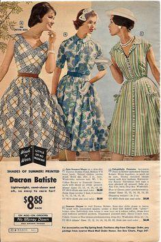 Retro Fashion Three elegantly pretty summer day wear dresses from the Montgomery Ward Summer 1959 catalog. Fashion Moda, 1960s Fashion, 50 Fashion, Fashion History, Vintage Fashion, Fashion Design, Moda Vintage, Moda Retro, Retro Vintage