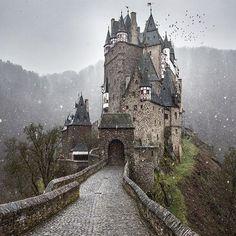 Eltz Castle , Germany