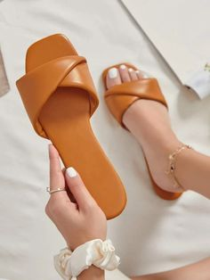 Flat Sandals, Slide Sandals, Leather Sandals, Flats, Fashion Shoes, Women's Fashion, Huaraches, Head Wraps, Vegan Leather