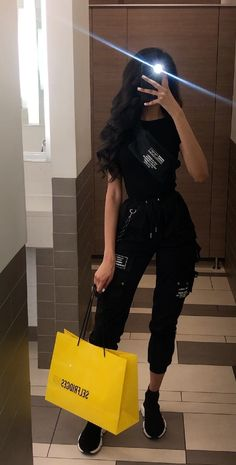 Bad Girl Outfits, Sporty Outfits, Cute Casual Outfits, Pretty Outfits, Stylish Outfits, Tomboy Fashion, Teen Fashion Outfits, Look Fashion, Look Kylie Jenner
