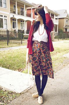 Perfect Autumn outfit with a nod to vintage with Winter floral skirt and key jewellery #THEOUTNET #FashionMath
