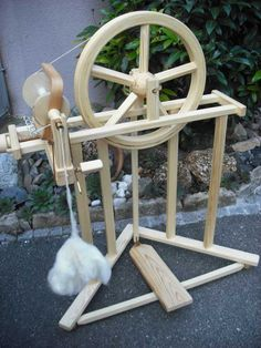 WaldWolle - Anne Spinnrad (Spinning wheel)