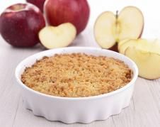 Instead of having oats for breakfast, spice it up and have it as a dessert. Try out this Apple Crumble recipe by Nutritionist, Neelanjana Singh with Heinz Nutri Life Clinic from Delhi. She assures the apple crumble delivers on taste; No Calorie Foods, Low Calorie Recipes, Healthy Dessert Recipes, Dog Food Recipes, Apple Recipes, Sweet Recipes, Calories Apple, Apple Crumble Recipe, Vegetable Nutrition