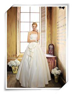 Wedding Dresses 2014-Beautiful wedding Bröllopsklänning 2013 cf8c9656b0448