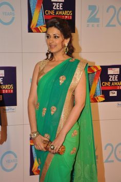 Sonali Bendre Age: Children: 1 son (born Hottest Moms of Bollywood Indian Celebrities, Beautiful Celebrities, Hot Actresses, Indian Actresses, Perfect Wife, Perfect Body, Modern Saree, Indian Bridal Outfits, Saree Models