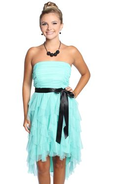 I love this color! I would wear this exact dress, its perfection! <333333
