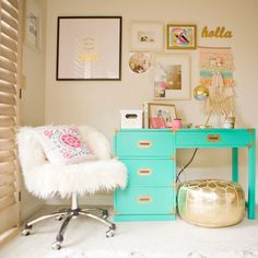 A Charming Desk Space Desk Areas, Desk Space, Gold Office Decor, Bedroom Desk, Cozy Bedroom, Girl Bedroom Designs, Teen Girl Bedrooms, Tween Bedroom Ideas, Teen Girl Desk
