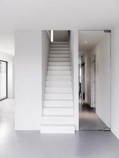 No baseboards | V House / BaksvanWengerden Architecten