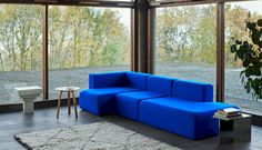 The modular sectional is a sofa style that appeals to the architect in us all. Made up of stocky, building block-like cushions, the sofas are designed to b Modular Sectional Sofa, Muuto, Petites Tables, Sofa Styling, Design Shop, Danish Design, Modern Design, Contemporary Interior, Mesas