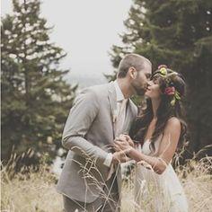 Um casamento no campo também promete fotos inacreditáveis, como esta! Gosta do estilo #rústico para sua #decoração? Conta pra gente!  Un casamiento en el campo también promete fotos increíbles, como esta! Te gusta el estilo #rustico para tu #decoración?