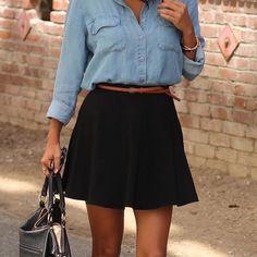 Max Azria -  Black Pleated Skirt Max Azria - Black Pleated Skirt - Size S - 69% Acetate / 23% Nylon / 8% Spandex -  Above Knee Skirts Midi