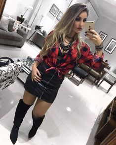 Street style/ moda femenina plaid shirt outfits, shirts e fashion. Cut Up Shirts, Tie Dye Shirts, T Shirt Yarn, Plaid Shirt Outfits, Cute Outfits, Boyfriend Girlfriend Shirts, Looks Country, One Direction Shirts, Matching Couple Shirts