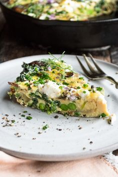 recipes sides sweets Garden Frittata with Goat Cheese & Potatoes - The Original Dish Frittata, Vegetarian Recipes, Cooking Recipes, Healthy Recipes, Brunch Recipes, Breakfast Recipes, Cheese Potatoes, Tofu, Crockpot