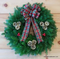 Pretty Christmas Wreath Love The Hidden Mickeys In Pinecones