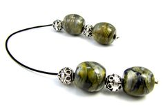 New Green Begleri Mini komboloi Worry Beads Quality Barrel Beads with Silver Tone Metal Beads New Green, Metal Beads, Shades Of Green, Barrel, Shells, Hair Accessories, Beaded Bracelets, Mini, Beading