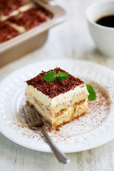 Simple Tiramisu (Welcome to. My Recipes, Sweet Recipes, Dessert Recipes, Favorite Recipes, Cooking Recipes, Easy Tiramisu Recipe, Tiramisu Dessert, Chocolate Shavings, Italian Desserts