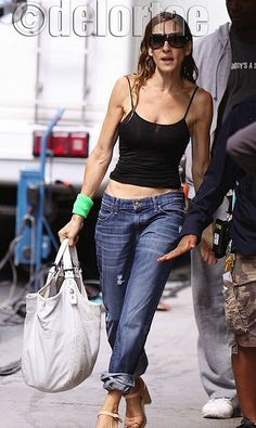 Sarah Jessica Parker carries a Givenchy Sacca Tote SJP toting Givenchy Sacca Tote on her way to the set of Sex And The City Movie, why do hair and make up when it will be done for you very soon, RIGHT? UK's exclusive luxury authentic handbag SPA Vist us on Facebook: www.facebook.com/DelortaeAgency