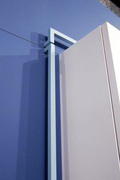 """Modulor"" kitchen by Maiullari. Made of FENIX  NTM. Details: Blue Delft and Bianco Alaska decors."