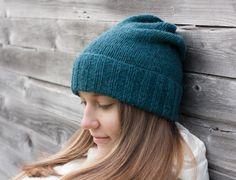 Nettilankakauppa Koukuttamon pipo-ohje - www.koukuttamo.fi Hand Knitting, Knitting Ideas, Knitted Hats, Knit Crochet, Winter Hats, Sewing, My Style, Crafts, Diy