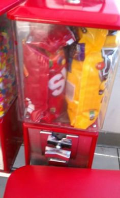 O.O    ..BAAHAHAA! 12 Hilarious Pictures of People Who Had One Job… But Failed Completely - Oddee.com