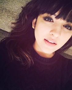 Shirley Setia is an indo Kiwi Singer. Hindustan Times and Forbes featured Setia as Bollywood's Next Big Singing Sensational. Cute Girl Poses, Stylish Girl Pic, Cute Girl Photo, Cute Girls, Shirley Setia, Youtube Sensation, Jacqueline Fernandez, Lucky Girl, Girls Dpz