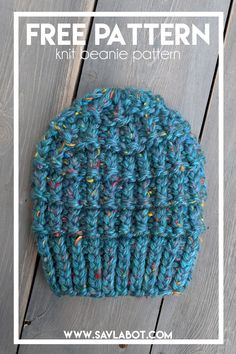 Quick And Easy Knit Beanie Using The Hurdle Stitch ! bonnet en tricot rapide et facile à utiliser avec le point hurdle Beanie Knitting Patterns Free, Beanie Pattern Free, Knitting Kits, Loom Knitting, Free Knitting, Knitting Needles, Free Pattern, Knitted Headband, Knitted Hats